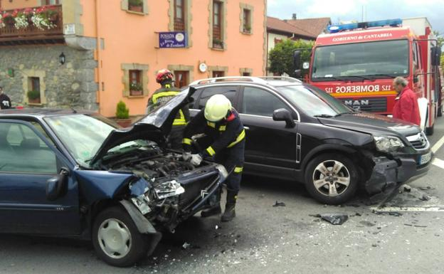 Aparatoso accidente en Escalante