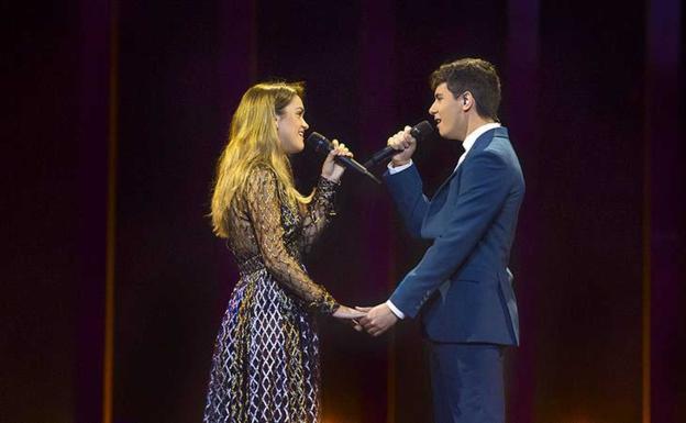 amaia llevará el vestido negro de helbig en la final de eurovisión
