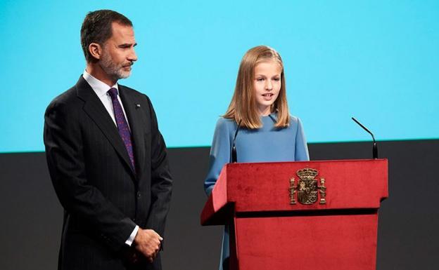 La princesa Leonor cumple 13 años y realiza su primera intervención pública.