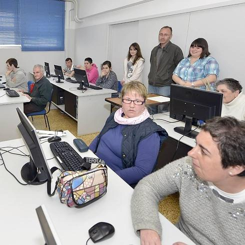 Los Cursos De Informática Se Hacen Más Accesibles A Personas Con Discapacidad El Diario Montañes
